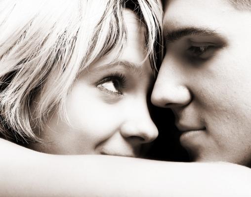 Modes et beautés - Comment passer de l'amitié à l'amour ?